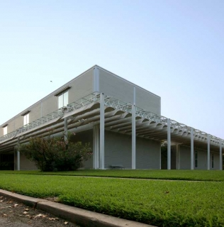 Renzo Piano's Menil Collection